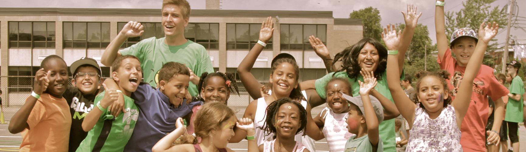 Outils de Paix agit auprès de 112 453 enfants, 45 507 adolescent-es, 7 685 jeunes et 22 888 adultes!